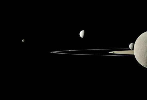 土星的衛星 Image Credit: Cassini Imaging Team, SSI, JPL, NASA