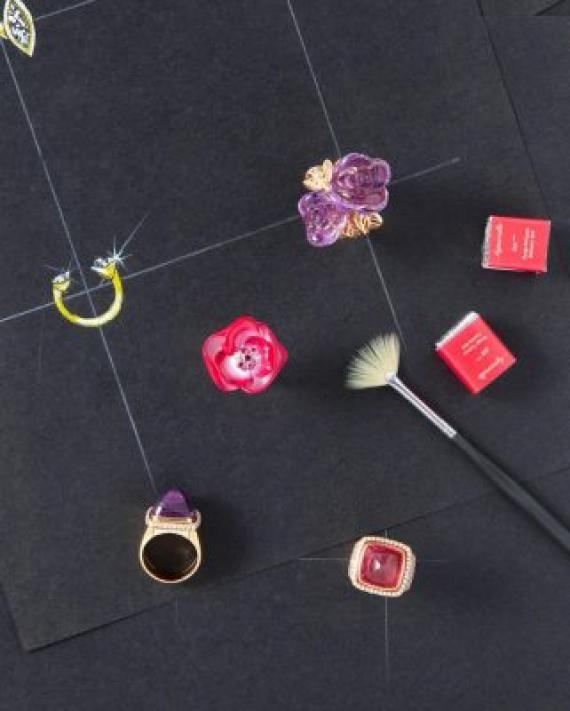 From top: Rose Dior 18K玫瑰金紫水晶及鑽石戒指 18K玫瑰金及白金、鑽石、藍寶石及粉紅色彩漆戒指 Both from Dior Joaillerie Pain de Sucre 玫瑰金、鑽石及紫水晶戒指 Pain de Sucre 玫瑰金、鑽石及紅色碧璽戒指 Both from Fred